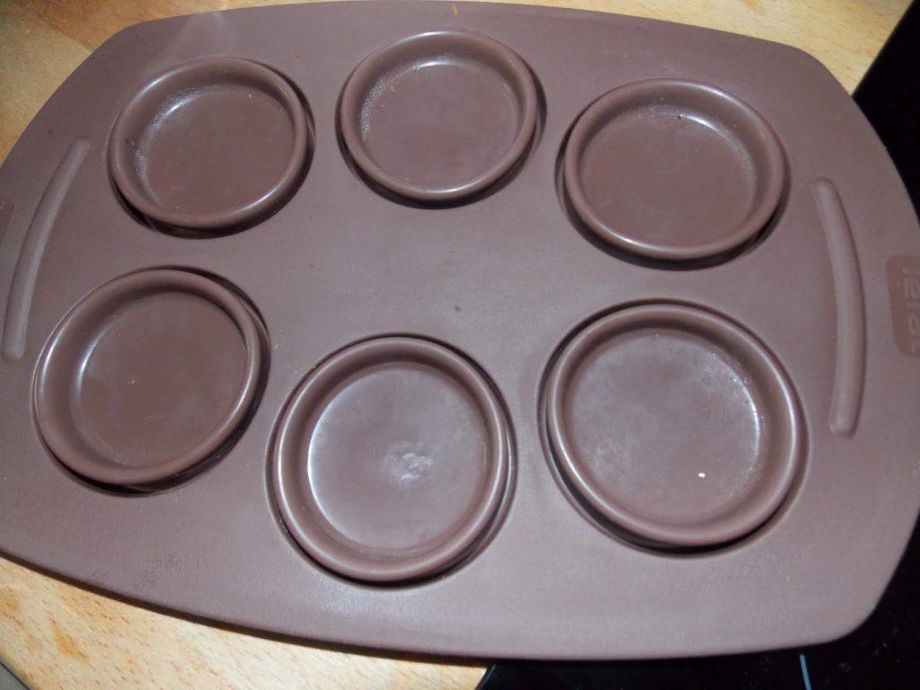 Moule a muffin du cake factory plié vue de dessus