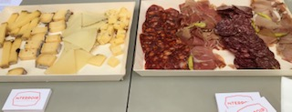 Les délicieux plateaux de charcuteries et fromages