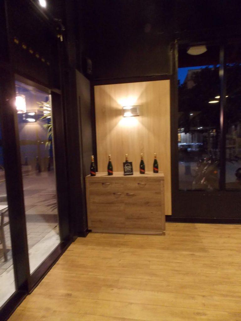 Petite décoration vin dans le restaurant