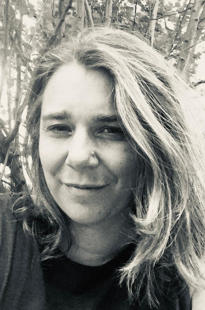 Jennifer Lavallé auteur du livre Un trou dans la page.