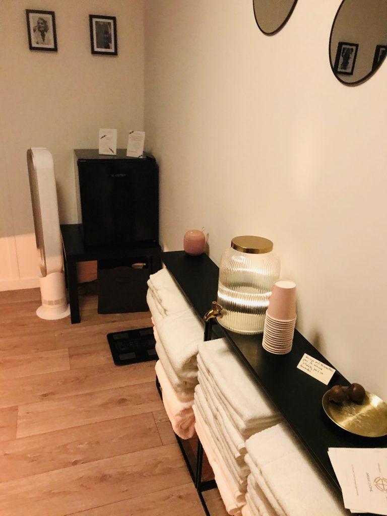 La salle du sauna japonais.