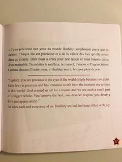 En noir le texte en français et en rouge le texte en anglais.